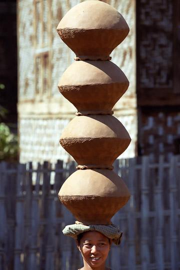 2001-12-027.jpg
